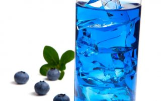 healthy blueberry vodka soda low-calorie cocktail recipe