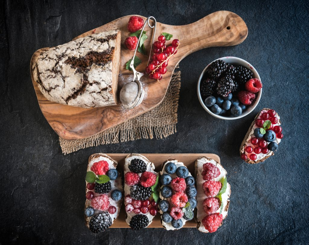 berry brie toast