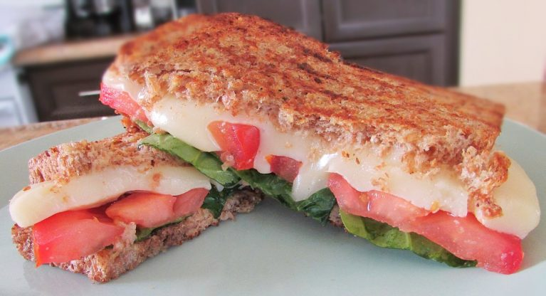 Grilled Caprese Sandwich - The Skinny Chick's Cookbook