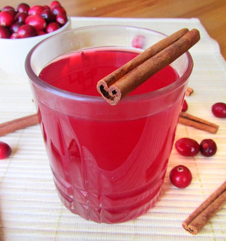 Cranberry Mulled Wine Cider - The Skinny Chick's Cookbook