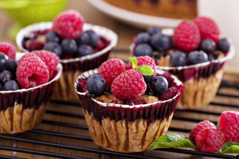raspberry blueberry berry greek yogurt protein muffin recipe