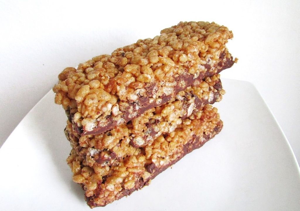 Peanut Butter Rice Crispy Protein Bars