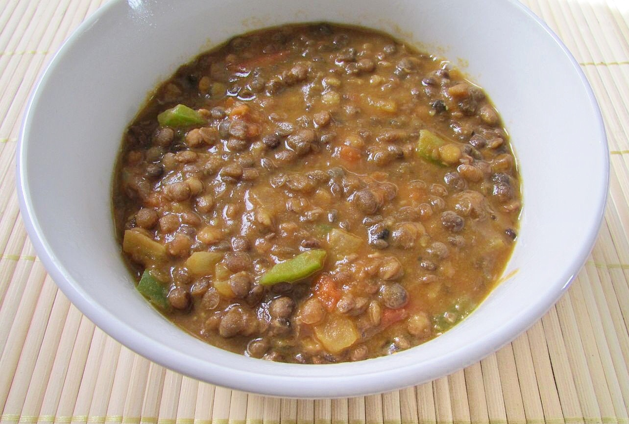 Vegan Lentil Chili With Roasted Red Peppers, Olives, And Green Onion ...