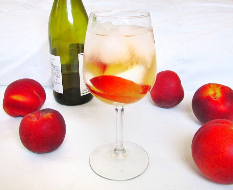vegan healthy White Peach Sangria recipe low calorie