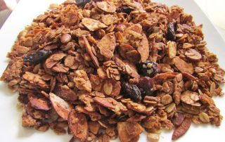 homemade healthy granola vegan
