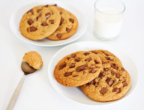 Keto Peanut Butter Chocolate Chip Cookies (5 Ingredients!)